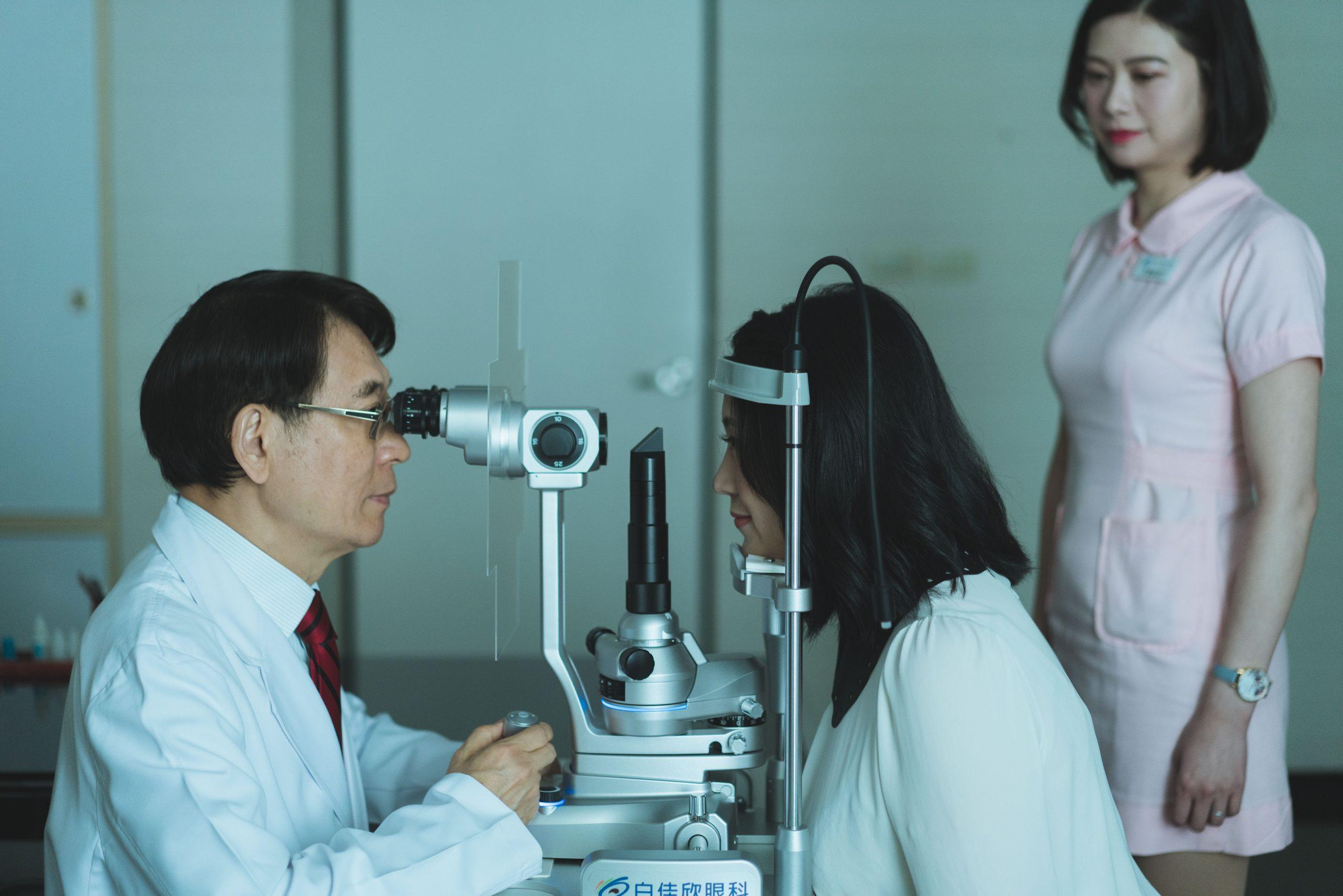台中白佳欣眼科診所眼睛檢查過程